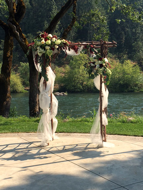 Arbor - Rogue River wedding
