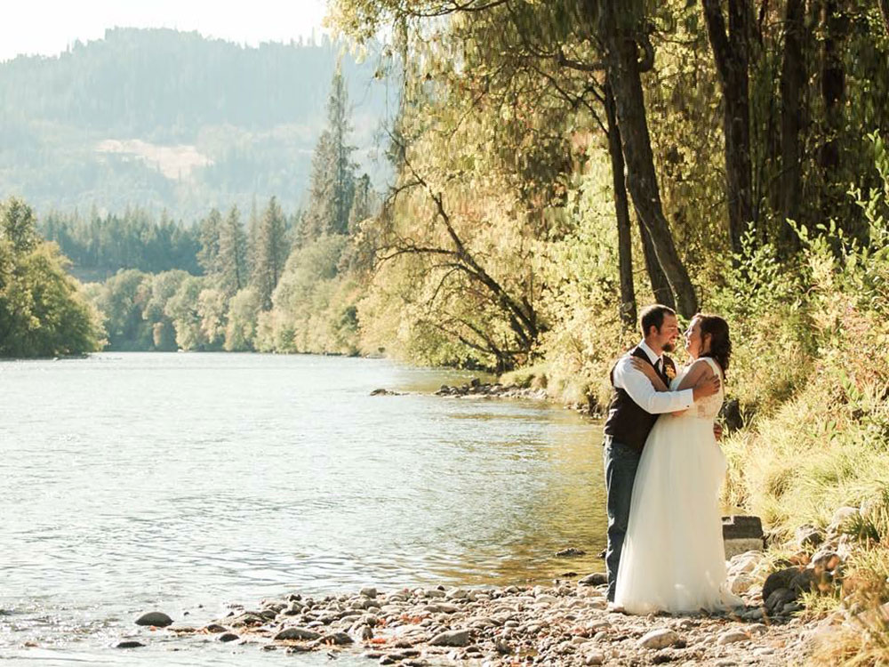 Rogue River wedding