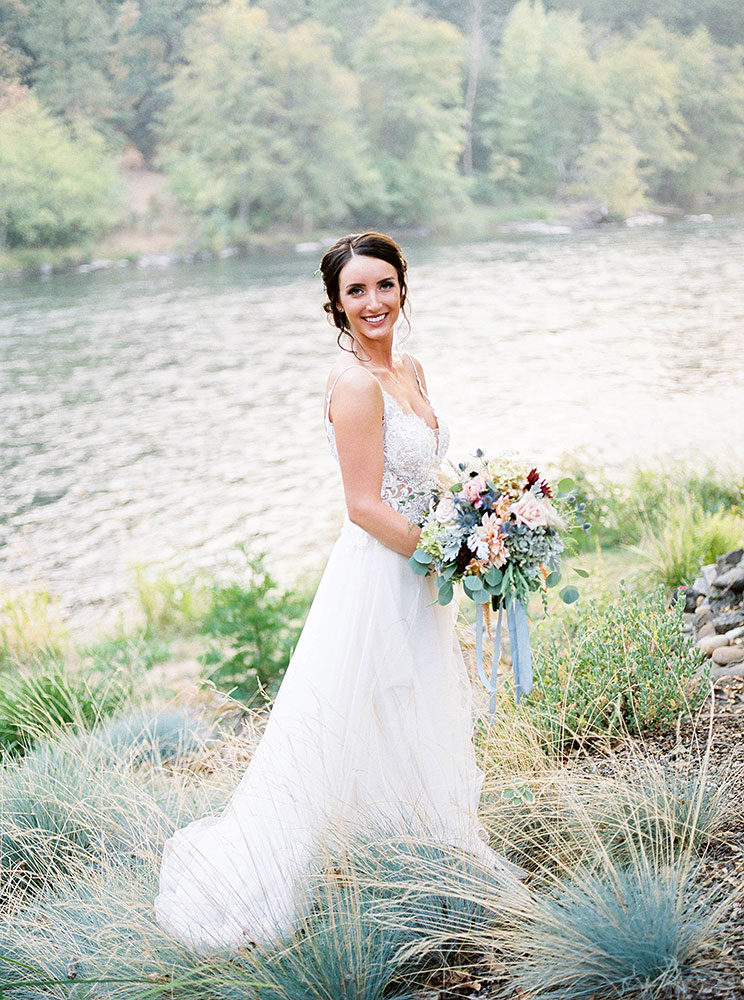 Bride & Groom - Rogue River wedding